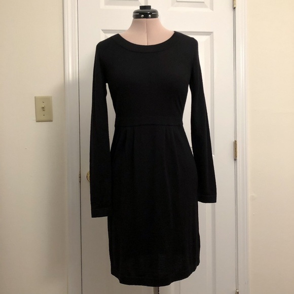 0ecf9dac567 Banana Republic Dresses   Skirts - Banana Republic Sweater Dress Black  Merino Wool